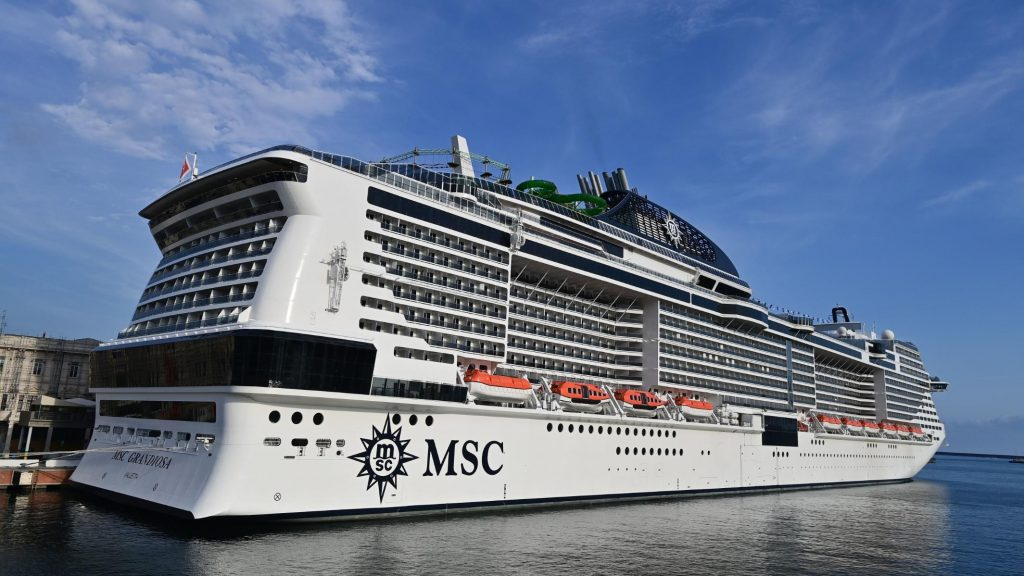 Things to Consider When Booking a Cruise